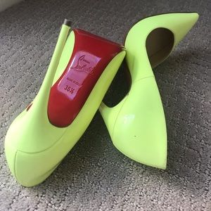 So Kate 120 Patent Leather Pumps Neon